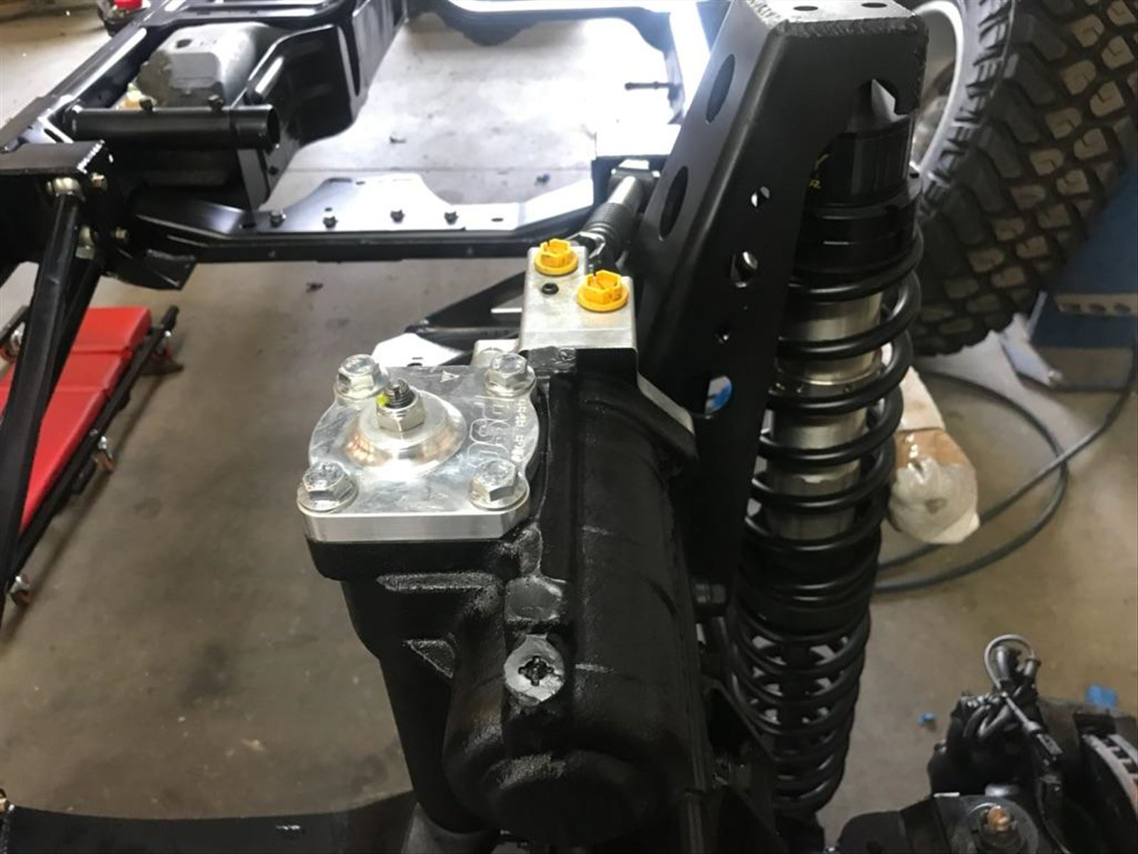 Jeep JK - FAMV-V2 - Powertrain - GM L92 6.2L V8 and 6L80 Photo