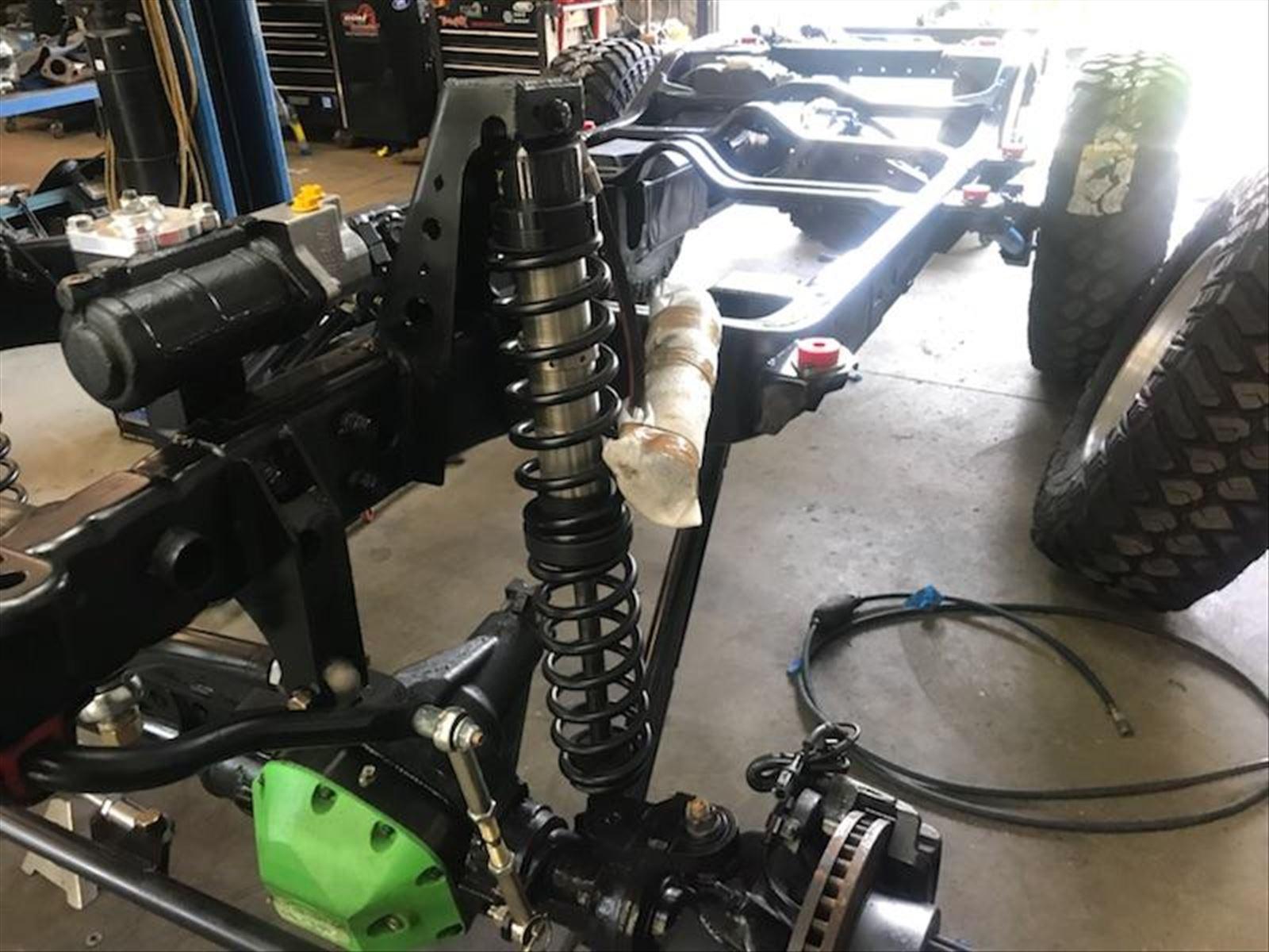 Jeep JK - FAMV-V2 - Powertrain - GM L92 6.2L V8 and 6L80 Photo